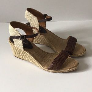 Lucky Brand Katereena Wedge Sandals, size 9M/39